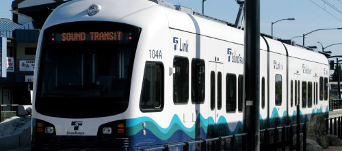 Sound_Transit_Link_Light_Rail_Train (2)